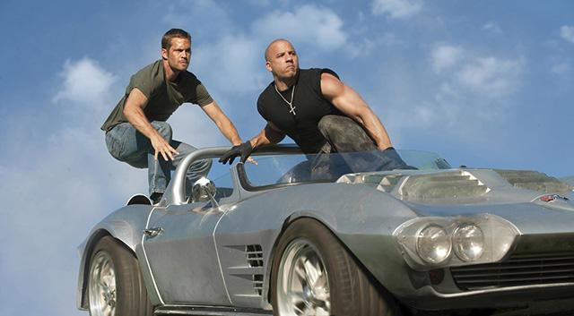 Paul Walker és Vin Diesel a Halálos Iramban c. filmben