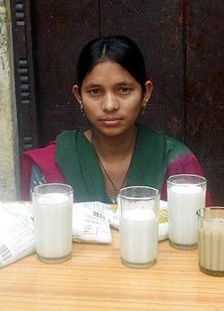Soha nem evett még szilárd ételt egy 25 éves nő