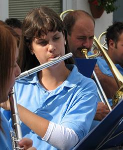 Programok vasárnapra: Bóbita farsang és fúvós koncert