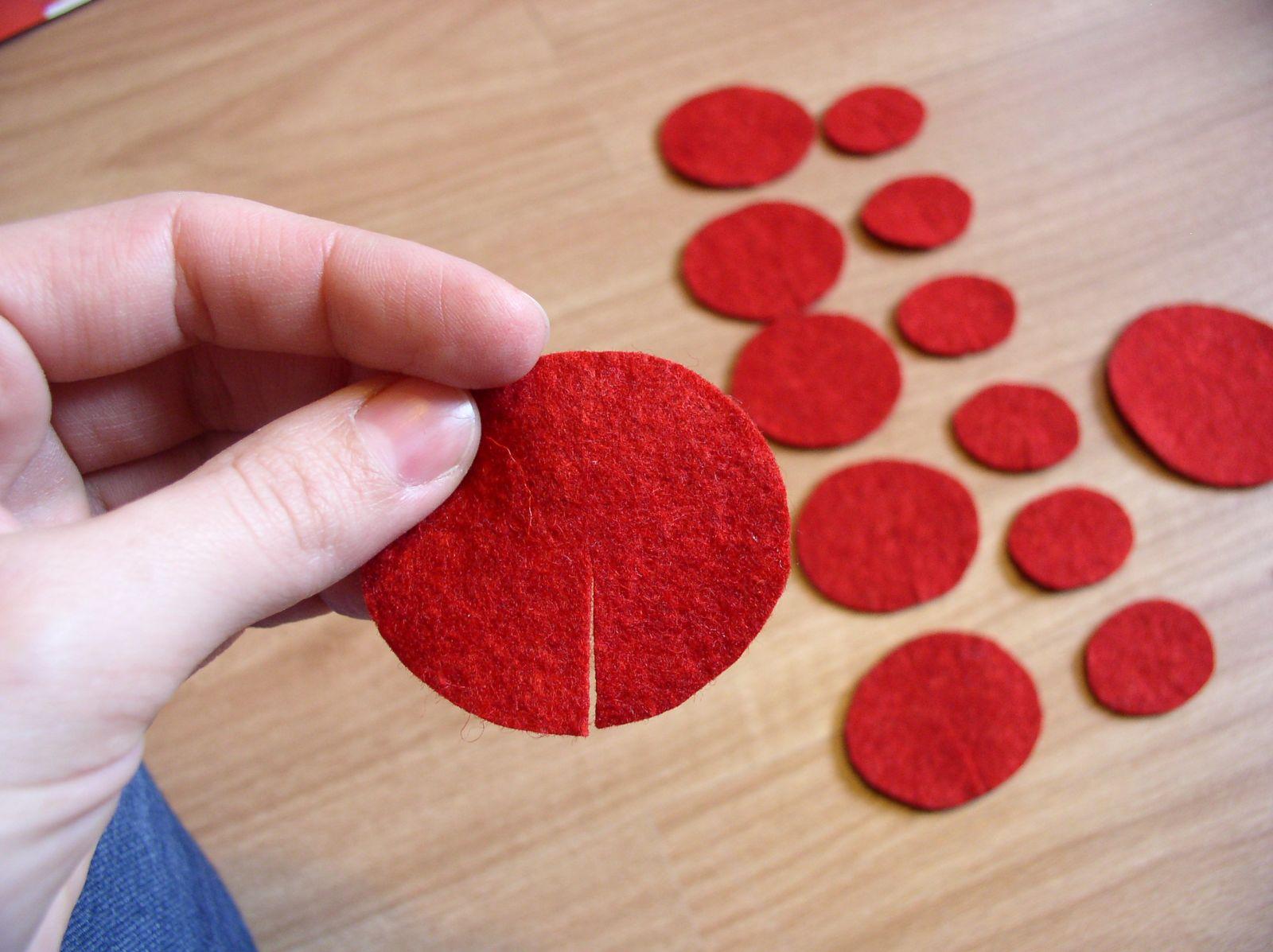Készíts virágdíszt filcből