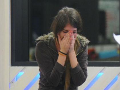 VV6: Iza miatt szégyenkezik anyukája