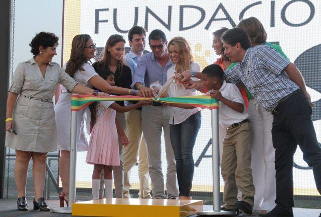 Shakira iskolát alapított egy szegénynegyedben