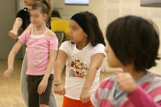 Címkék, skatulyák, családi drámák: Cigány gyerekek örökbefogadása