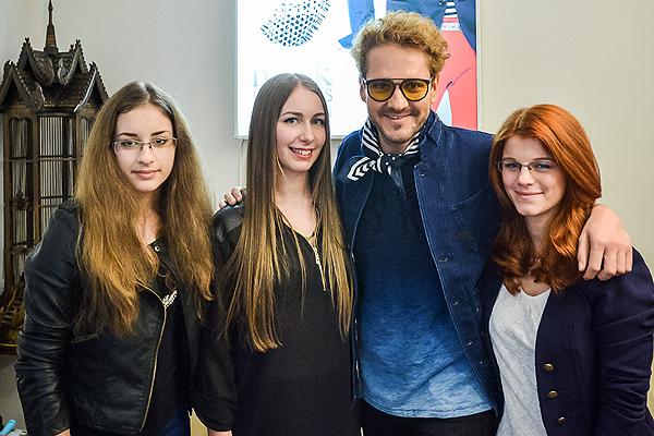 Gabi, Eszter és Anna, Lakatos Márkkal