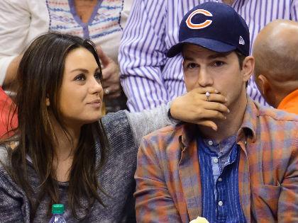 Mila Kunis és Ashton Kutcher első gyermeküket várják!