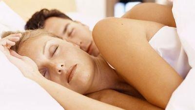 Alvással az elhízás ellen?