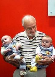 Több mint 2 millió baba életét mentette meg ez a férfi