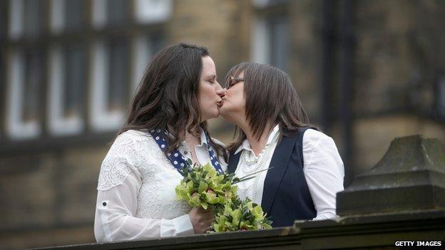 Teresa Millward és Helen Brearley, Halifax/BBC