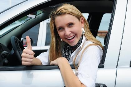 Autózás – mindennapi praktikák nőknek