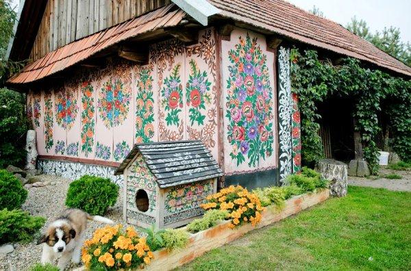 Mindörökké virágba borult falu