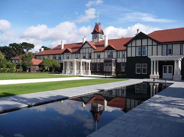 Ebben a házban lakik majd György herceg