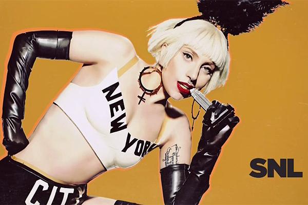 Lady Gaga fülében egy Abodi Dóra fülbevaló