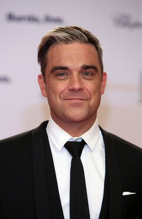 Így érkezik Budapestre Robbie Williams