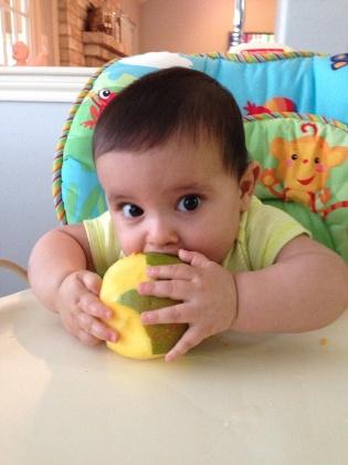 Bébi étrend – zöldségek és gyümölcsök bevezetése
