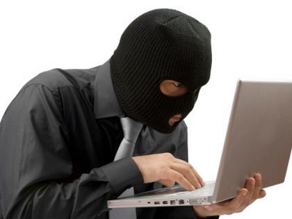 Balfék bűnözők a Facebookon