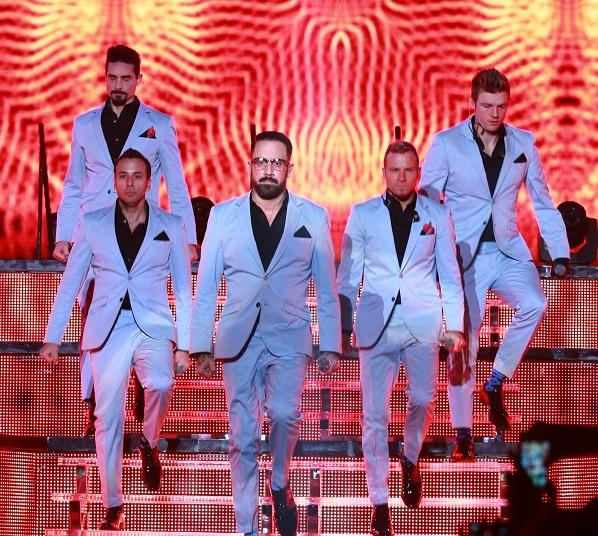 A Spice Girlsszel turnézik a Backstreet Boys