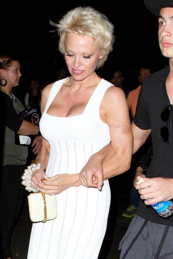 Megszabadult legendás tetoválásától Pamela Anderson