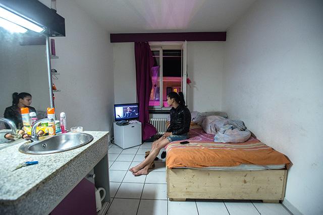 Futtatók markában - magyar prostituáltak Zürichben