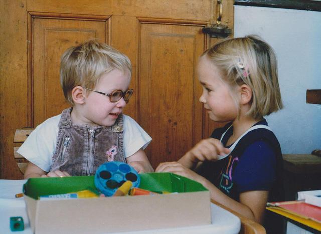 Harcsa Veronika (jobbra) - egy kép 1989 szeptemberéből