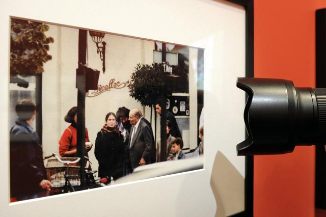 Valiela híres fotója Francois Mitterrandról és lányáról Mazarine-ről