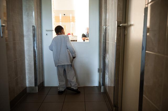 Ferike három hete van a kórházban, még egyszer sem látogatta meg senki.