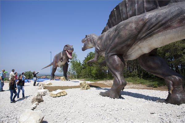 Dinoszauruszuk lepték el Magyarországot - fotó