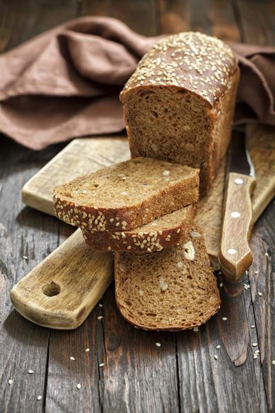 Szikkad, penészedik, szárad. Hogy marad frissen a kenyér?