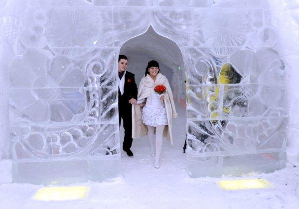 Különös esküvői helyszín - jégből