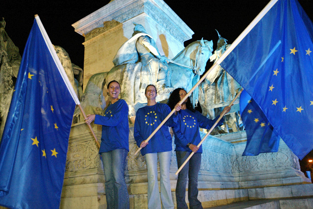 10 éve az Európai Unióban - szabad munkavállalás, kevesebb állatkísérlet