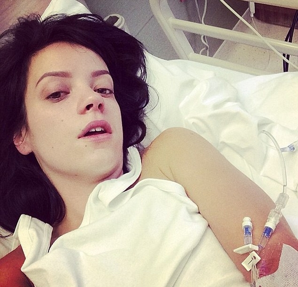 Betegre bulizta magát Lily Allen