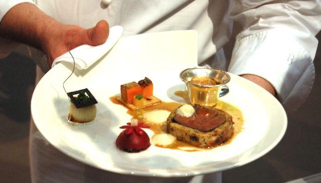 Szél Tamás húsos tányérja, melyet az idei lyoni döntőn készített - Forrás: bocusedorhungary.hu