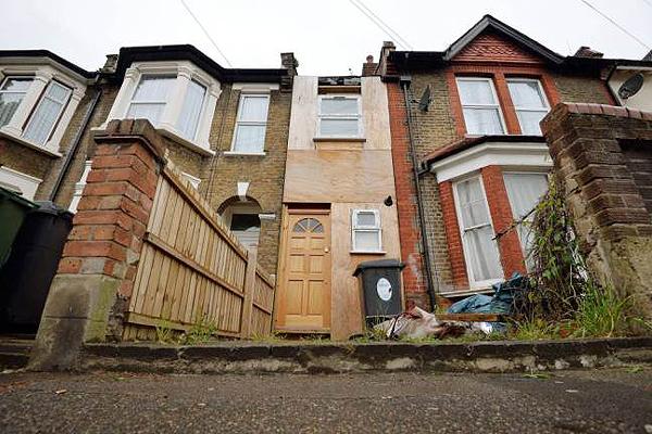 Le akarják bontani London legkeskenyebb házát