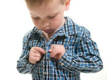 Hogyan tanítsuk meg a kisgyereket önállóan öltözködni?