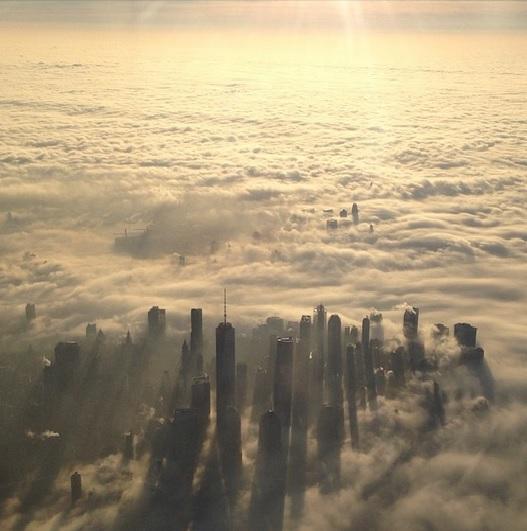 7 elképesztő fotó: városok a felhők alatt