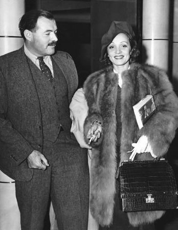Hemingway és Marlene Dietrich