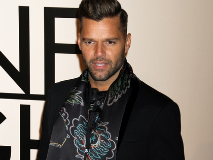 Bizarr félpucér fotó Ricky Martinról