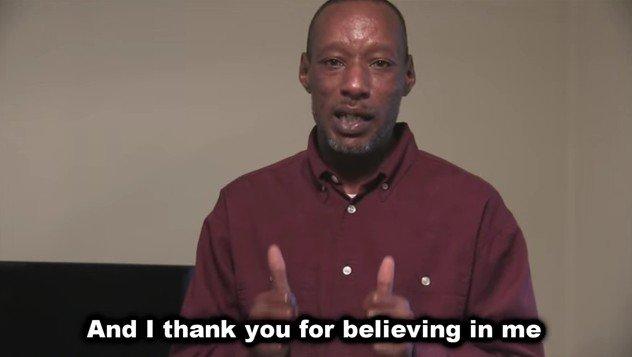 A hajléktalan férfi története folytatódik: háza lett és munkája
