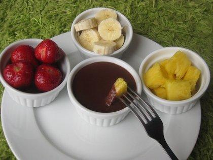 Csoki fondü gyümölcsökkel paleosonak is!