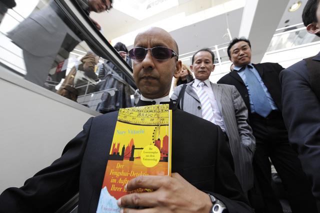 Nury Vittachi a Feng Shui Detektív írója