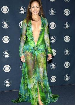 Használt ruhájában szexiskedik Jennifer Lopez