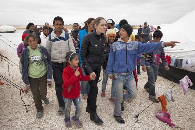 Angelina egy jordániai menekülttáborban