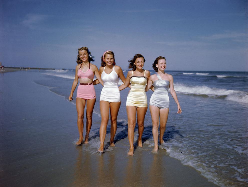 Ma már egy fürdőruhából varhatnánk 3 bikinit