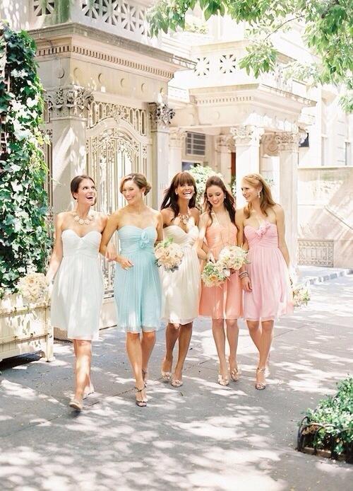 Óriási öltözködési bakik, amiket elkövethetsz, ha esküvőre vagy hivatalos