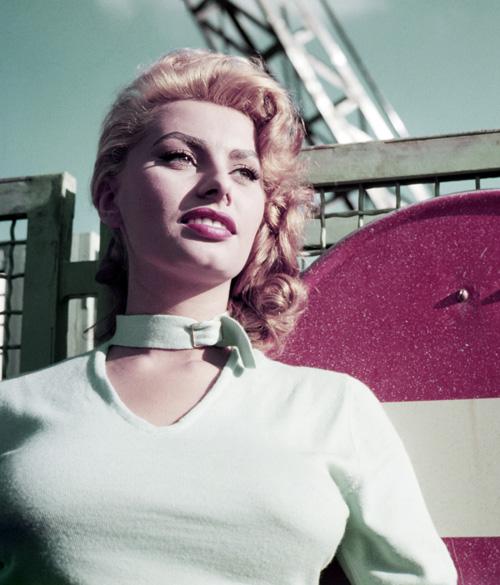 A 80 éves Sophia Loren megtanít szépnek lenni