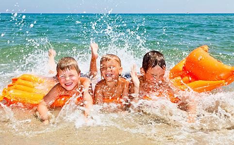 Boldog nyaralás kisgyerekkel
