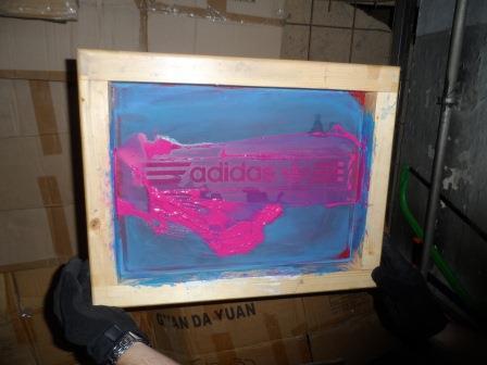 Itt készültek a kamu Nike és Adidas cuccok! - képek