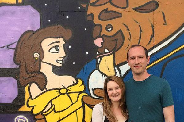Graffitivel kérte meg szerelme kezét a graffitiművész - fotó