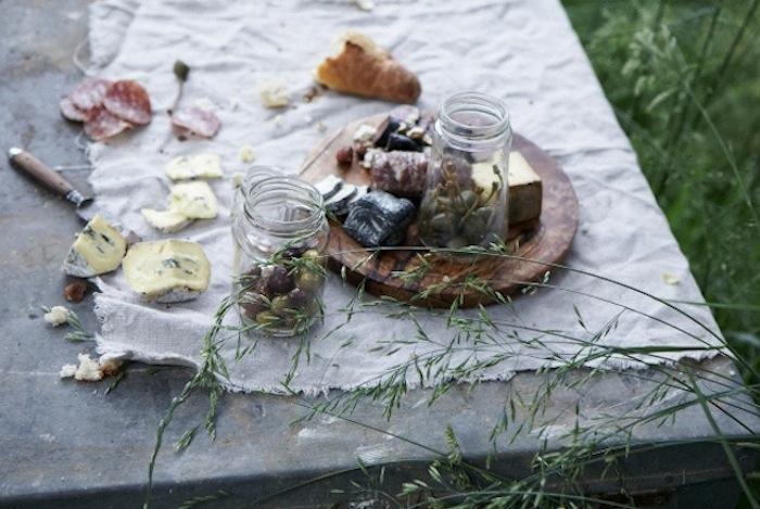 Itt a piknikszezon: ezzel menj az erdőbe