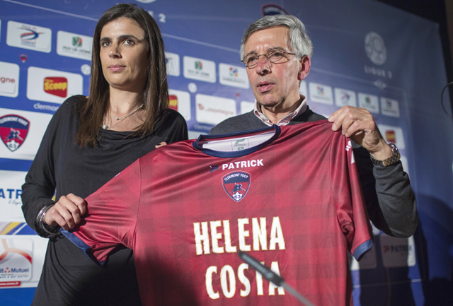 Helena Costa az első női vezetőedző egy férfi futbal csapatnál