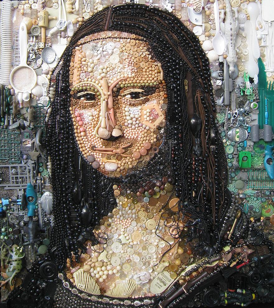 Talált tárgyakból készít elképesztő portrékat egy nő